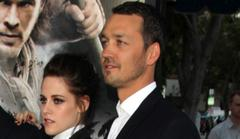 did kristen stewart get into a car with rupert sanders?